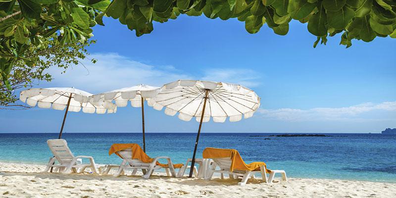 Bedjes op het strand van Cuba